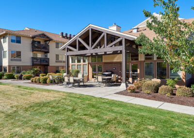 Oregon Senior Living Community - Sloper-Back-Patio